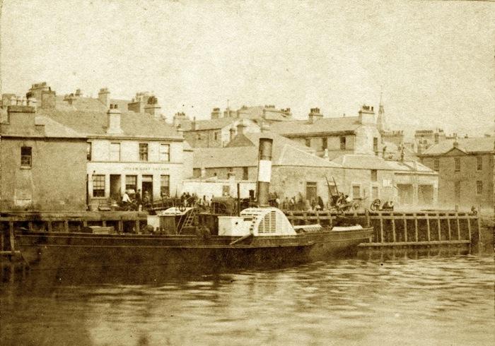 """Steamer """"Loch Lomond"""" at Dumbarton Quay"""